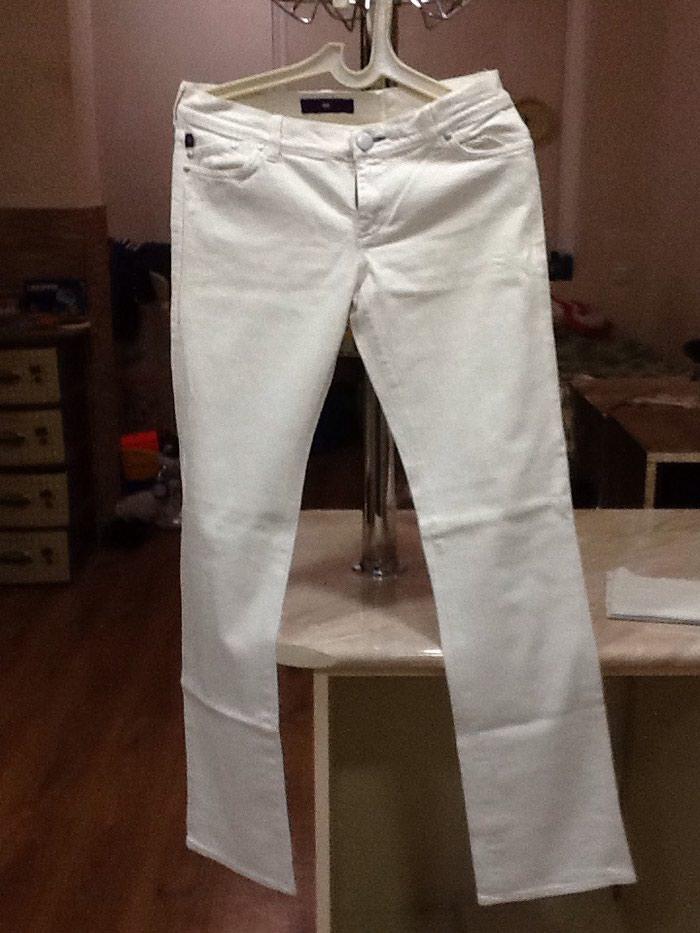 Белые джинсы белые б/у в отличном состоянии размер 38-40. Photo 0