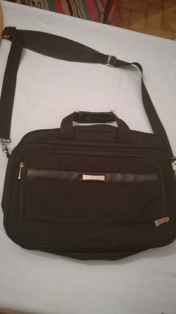 Briefcase for laptops