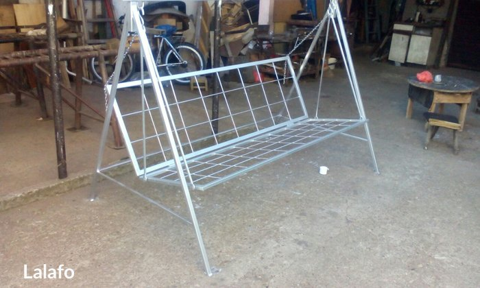 baštenska ljuljaska za 4 osobe metalno rasklopljive konstrukcije.Ljulj - Kraljevo