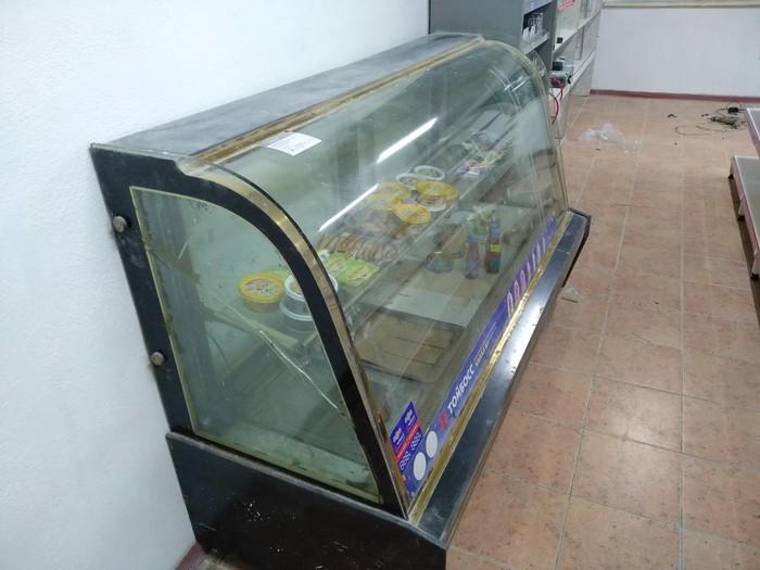 Продаю холодильник-витрина