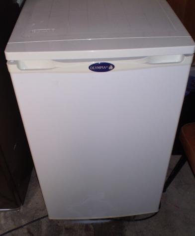 Μεταχειρισμένο Ενιαίος θάλαμος άσπρο refrigerator. Photo 0