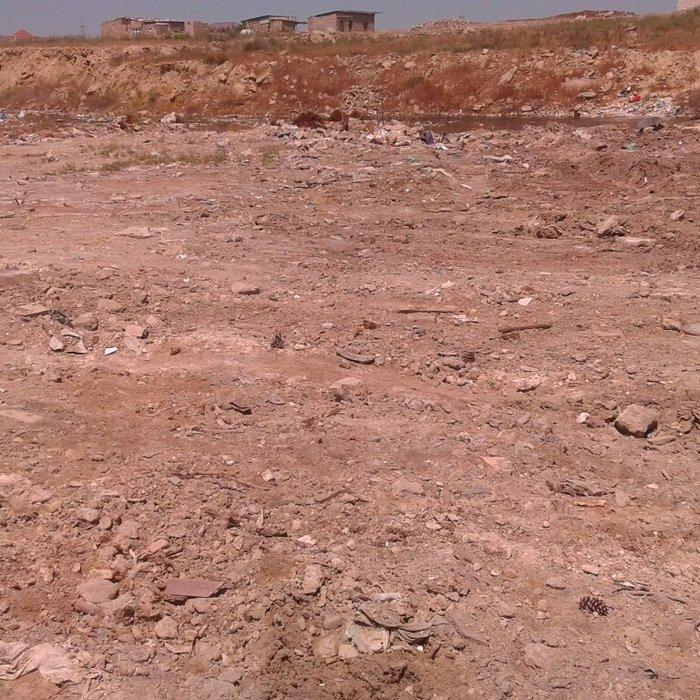 Bakı şəhərində Savalanda kanaldan 30 metr arali 6 sot senedli torpaq var. 6 sotunu 35