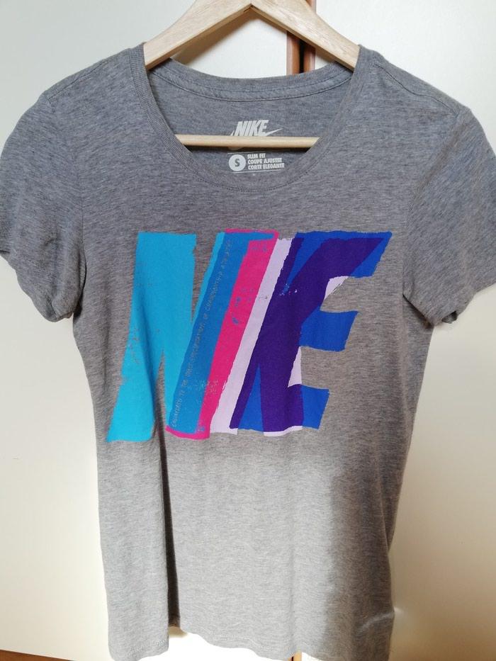 Μπλουζα γυναικεία Nike small size σε Λιμένας Μαρκοπούλου