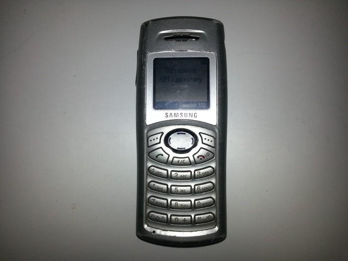 Lazimsiz telefon varsa mene sat xarabda olsa olar. Photo 0