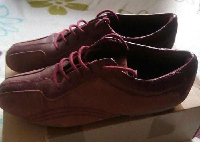 Fashon bordo cipele, velicina 37, duzina unutrasnjeg gazista 23,5 cm, odgovaraju za uze stopalo