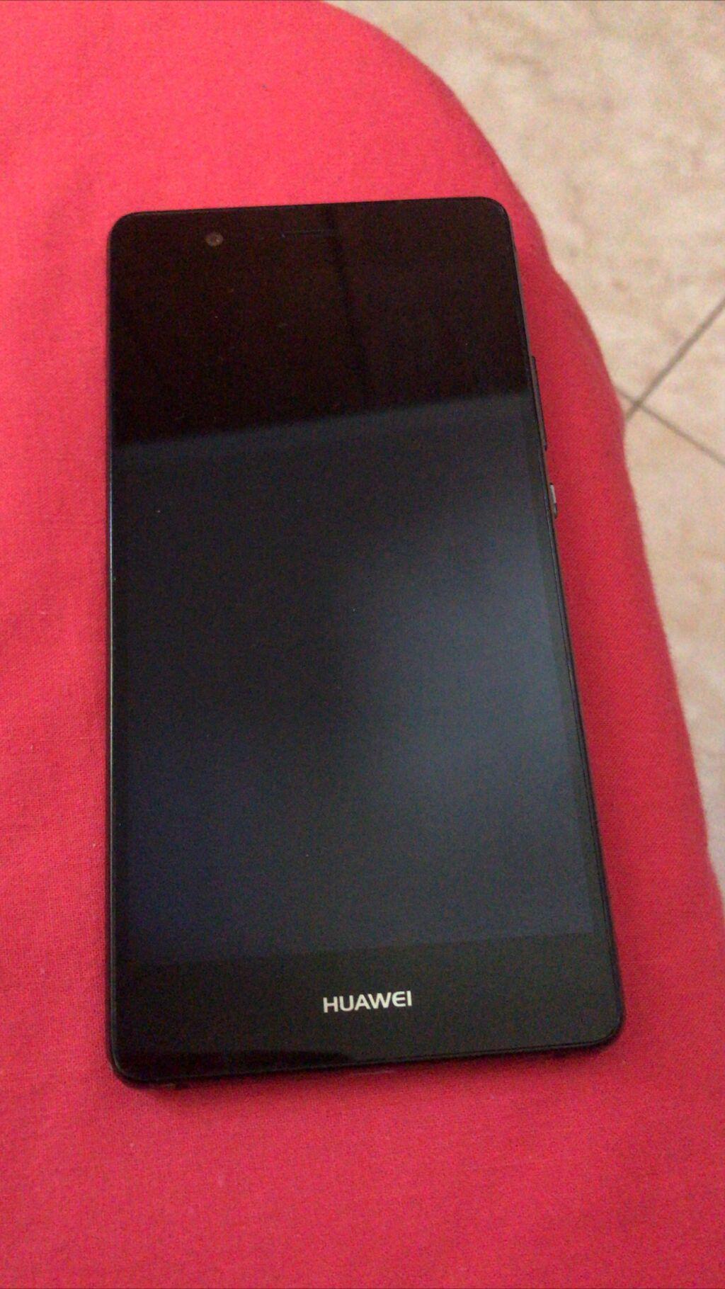 Huawei P9 Lite σε αριστη κατάσταση! Έχει χρησιμοποιηθεί μικρό χρονικό διάστημα , ΔΕΝ φέρει φθορές , λειτουργει άψογα