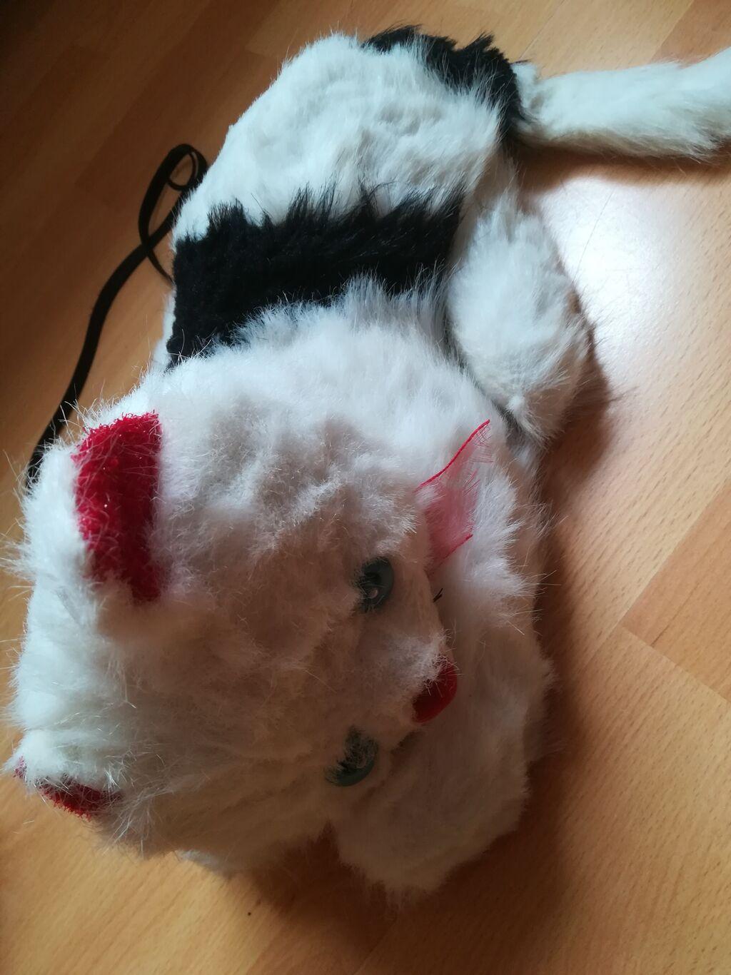 Bela plišana maca dužina 33 cm, visina 20 cm, baš očuvana