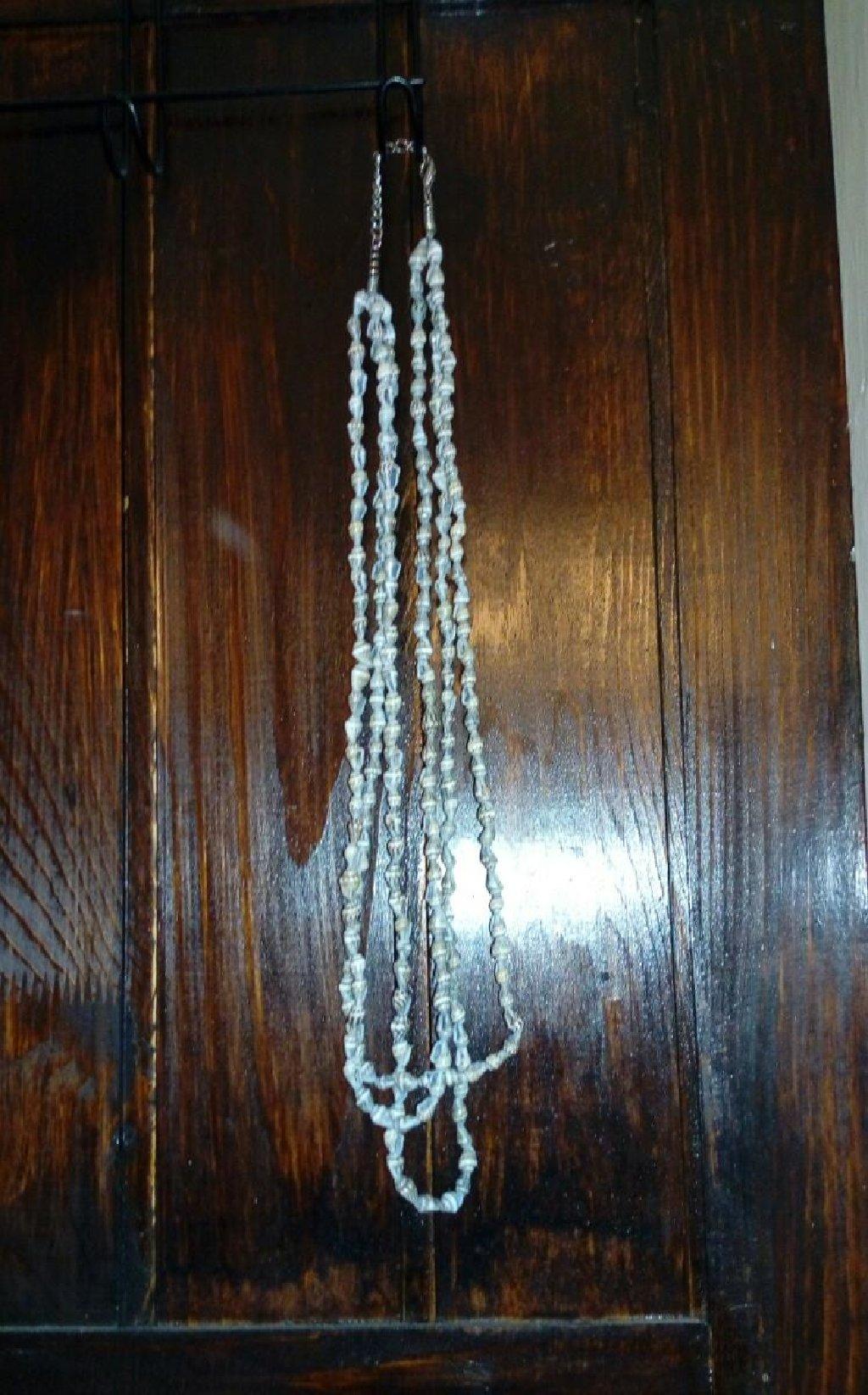 Ogrlica od sitnih skoljkica