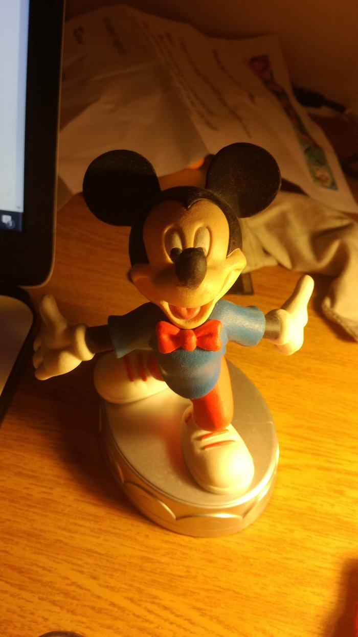 Mickey Mouse's second version statuette from Deagostini's series. Photo 0