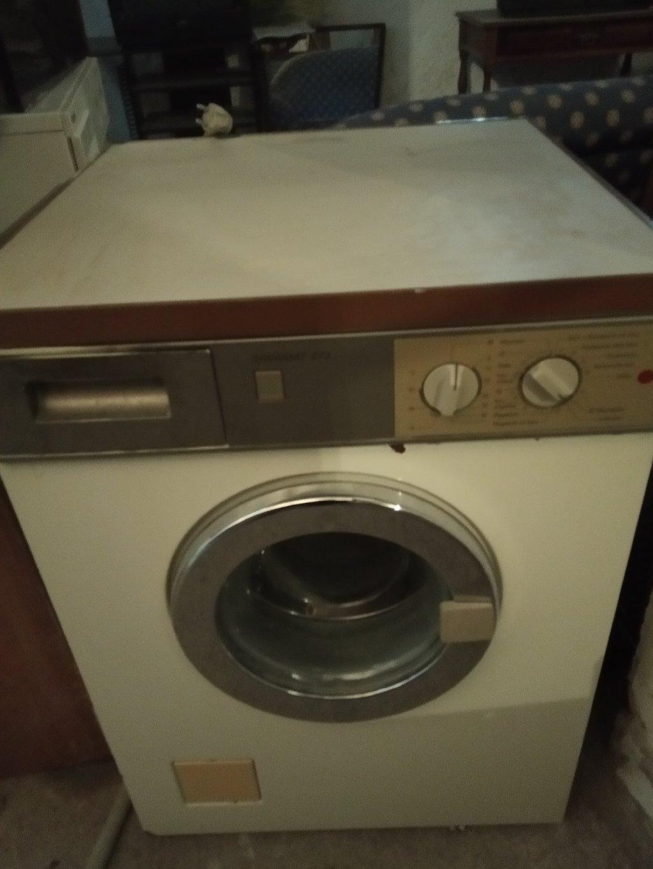 Πλυντήριο ρούχων  Seimens. Διαθέτουμε μεταφορά