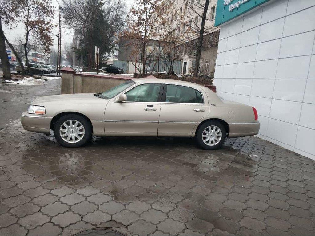 Lincoln Town Car 4.6 л. 2009 | 149000 км