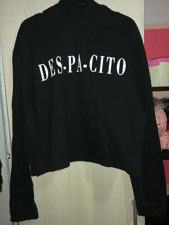 Duks-majica,idealno za prelazan period,bez oštećenja, perfektno stanje, ima i kapuljacu