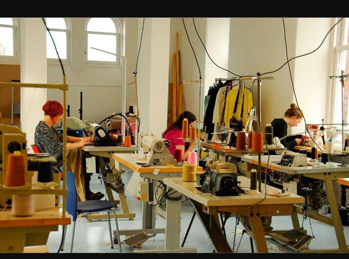 Обязанности:  ручной отшив; машинный отшив; смётка деталей; выполнение в Бишкек