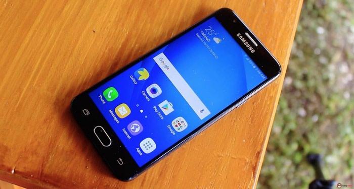 Продаю Samsung j5 prime в идеальном состояние не одно царапин 7 месяц в Душанбе