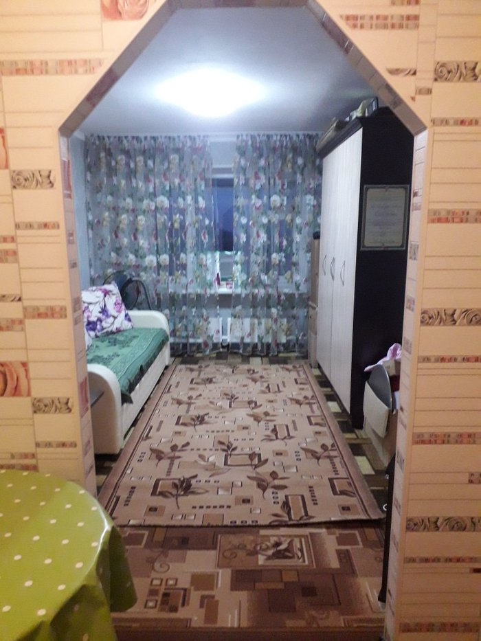 Продаю 1-ком. квартиру гостинку, коридорного типа. Дорогой евро ремонт в Бишкек