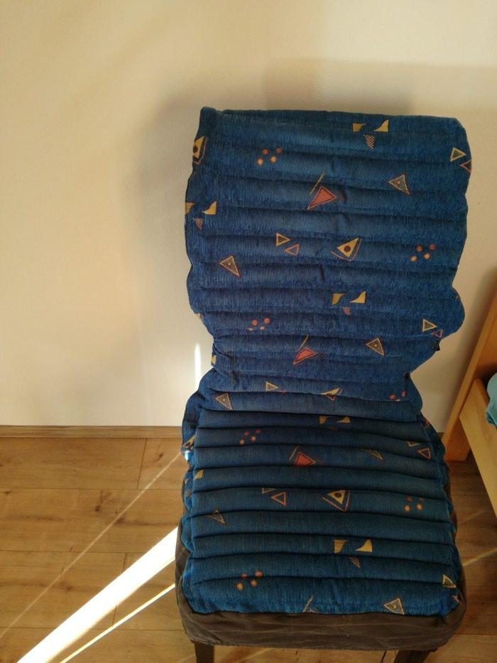 Ostalo - Batajnica: Navlaka za stolicu ispunjenabkuglicama za masazu koja sedenje cinini prijatnijim pozadi se vezuje tako da odgovara manjim foteljama i raznimntipovima stolice