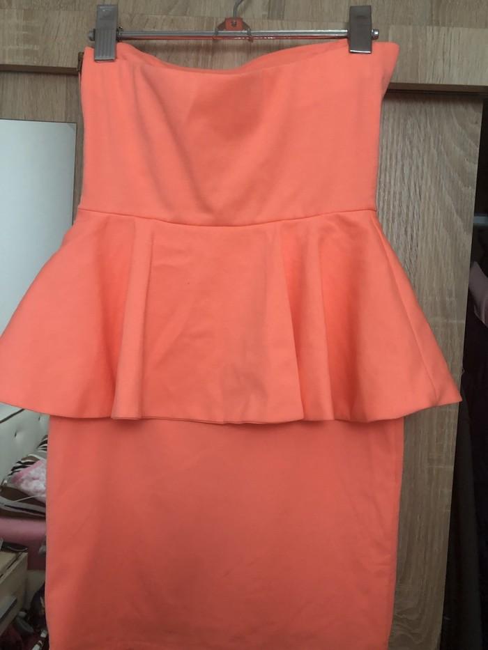 Zara haljina ima elastina