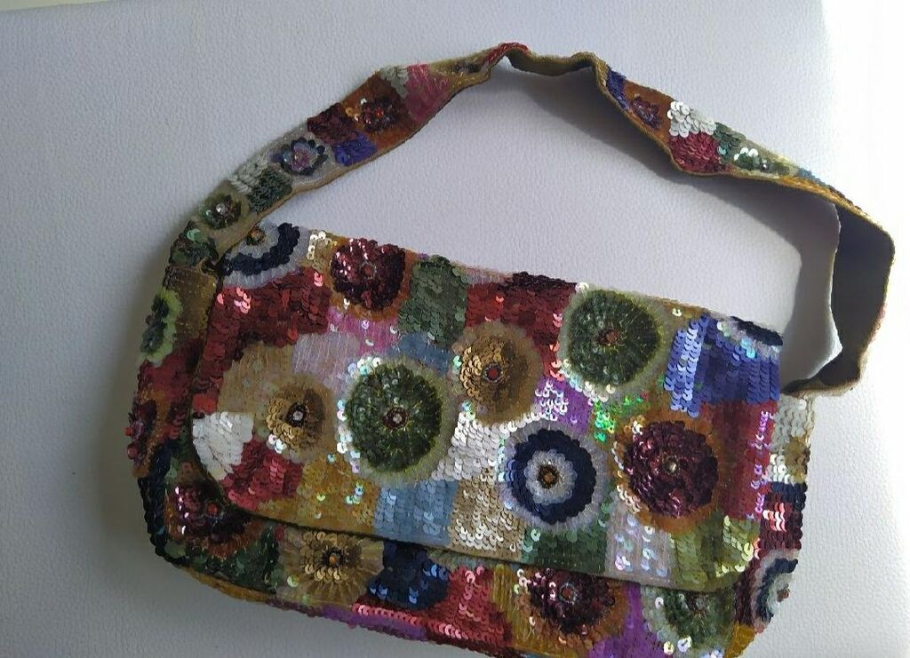 Accesorize Bag with sequins, multi coloured