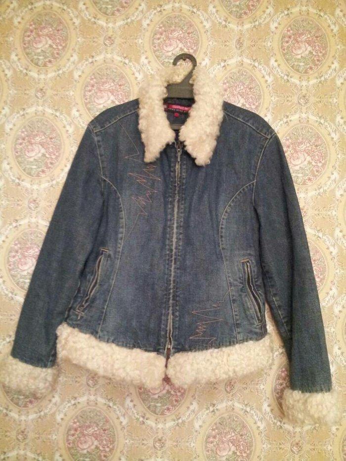 Продаю женскую джинсовую куртку на теплом подкладе,отделка из в Бишкек