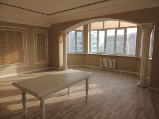 Продается квартира: 4 комнаты, кв. м.,. Photo 0