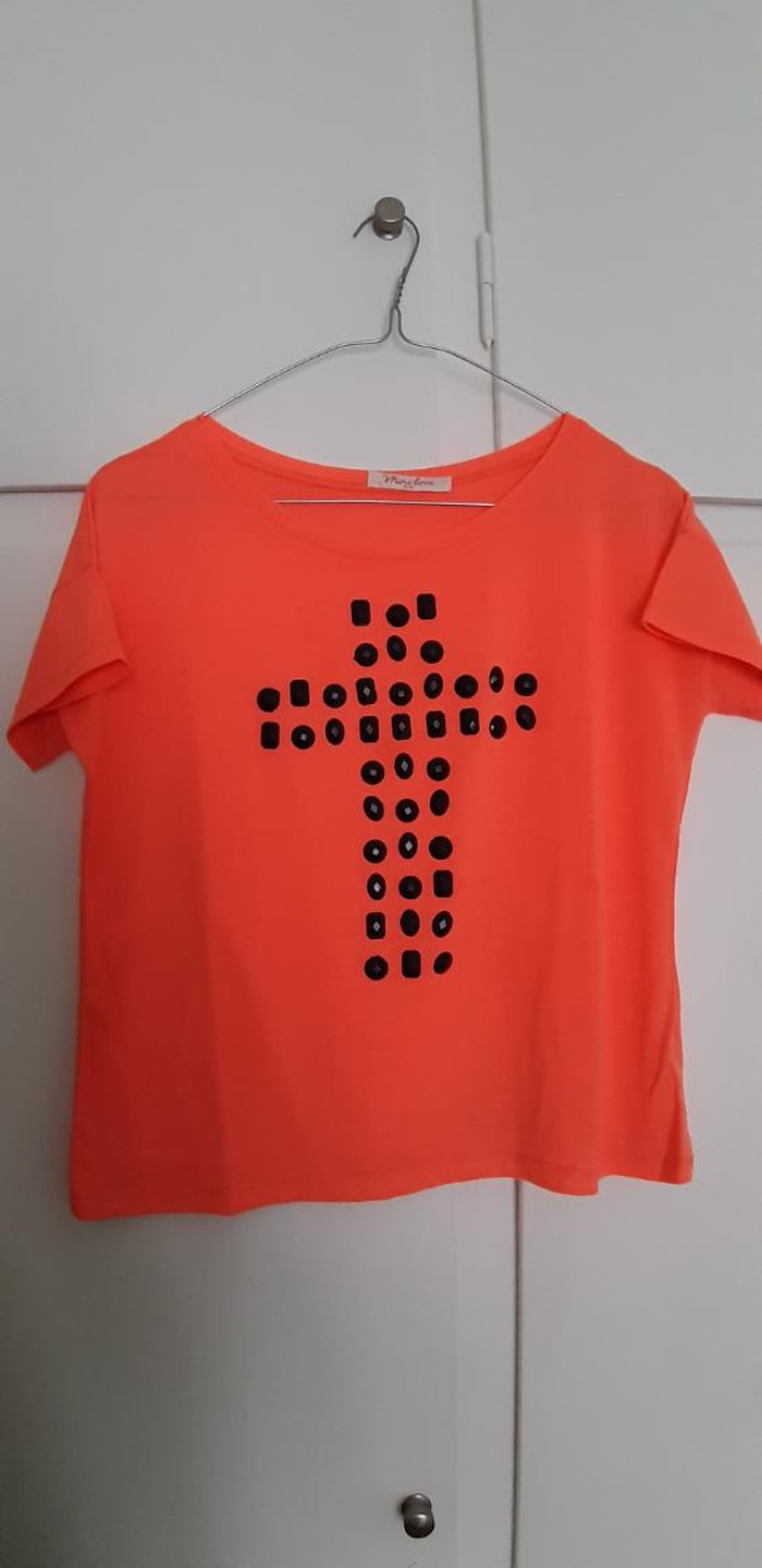 Μπλούζα με σταυρό νούμερο S/M Θα είναι σιδερωμένο και πλυμένο σε Αθήνα