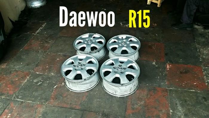 Daewoo R15 5 Bolt Disklər. Photo 0