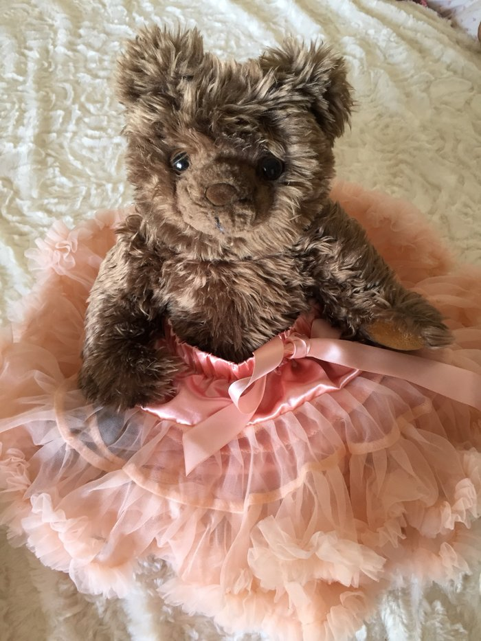 Satin and tulle tutu.18 -24 months. As new, never worn. Excellent. Photo 1