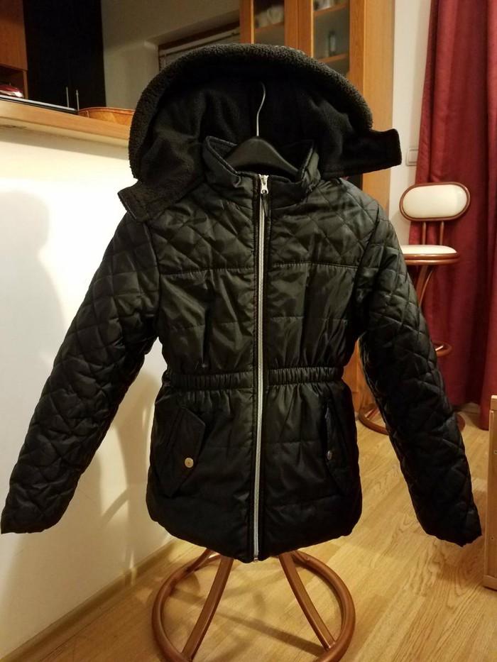 Zimska jakna, veličina 10-12 Kratko korišćena, u odličnom stanju