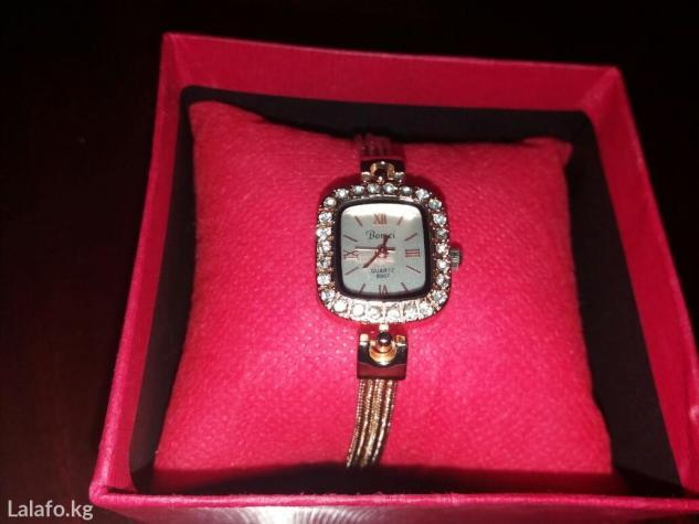 Продаю наручные женские часы. Абсолютно новые. в Бишкек