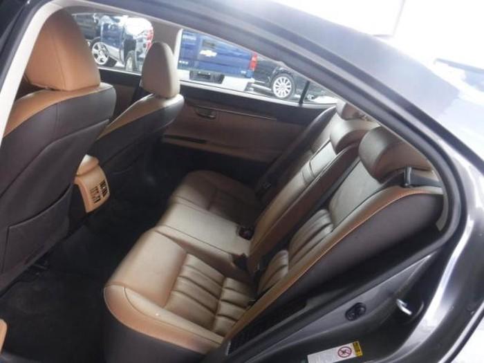 Lexus ES 2018. Photo 5