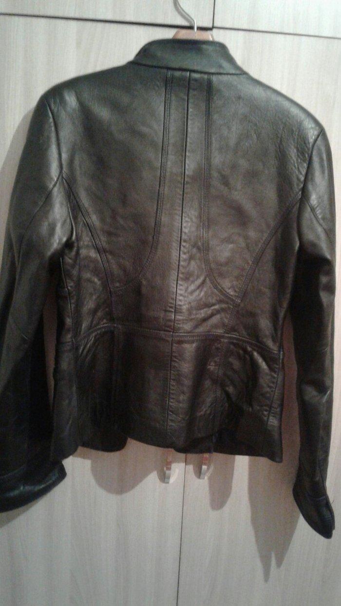 Кожаная куртка , размер l в Токмак