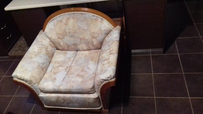 Τριθέσιος Καναπές και Πολυθρόνα σε άριστη κατάσταση . Photo 4