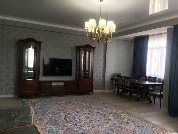 Сдается квартира: 3 комнаты, 140 кв. м., Бишкек. Photo 6