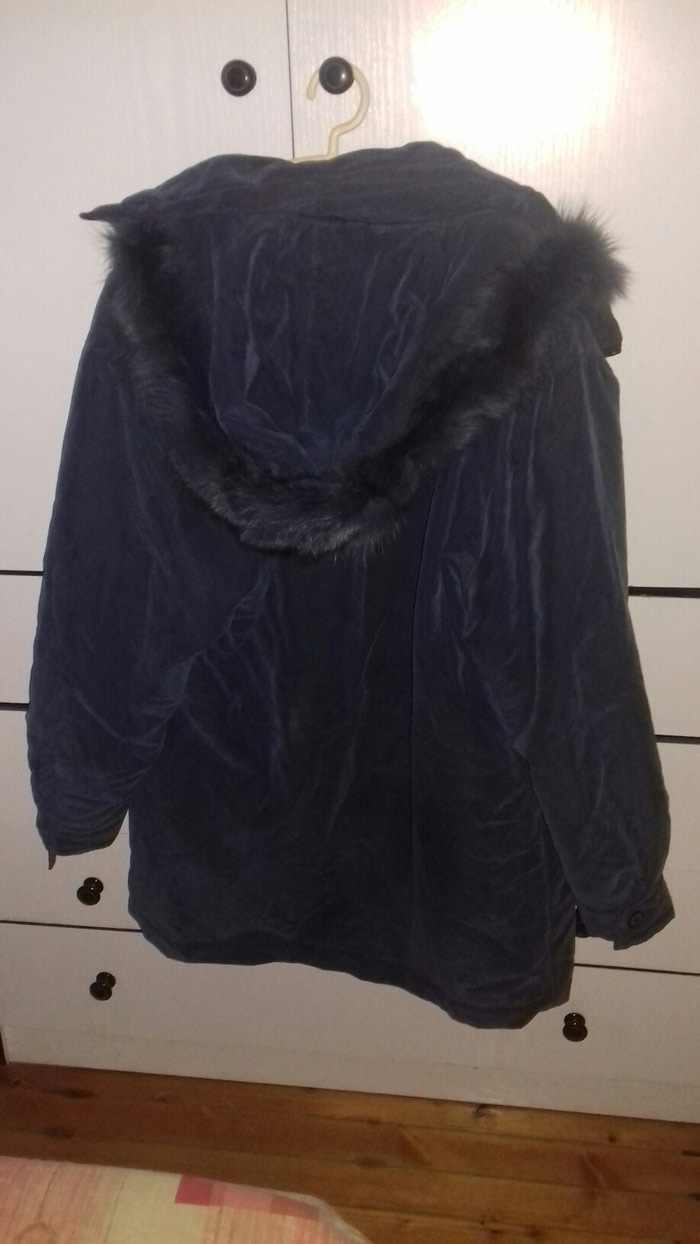 Μακρυ μπουφαν με γουνα στην κουκουλα μεγεθος l- xl. Photo 1