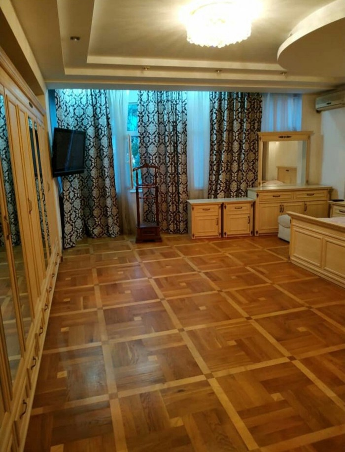 Сдается квартира: 6 комнат, 300 кв. м., Бишкек. Photo 4