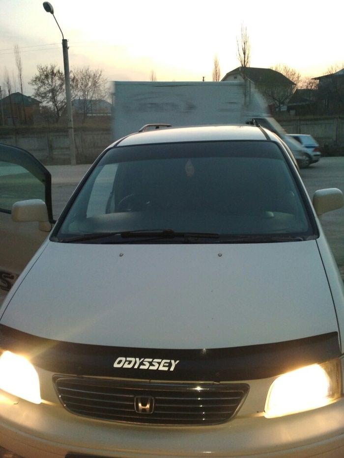 Honda Odyssey 1998. Photo 2