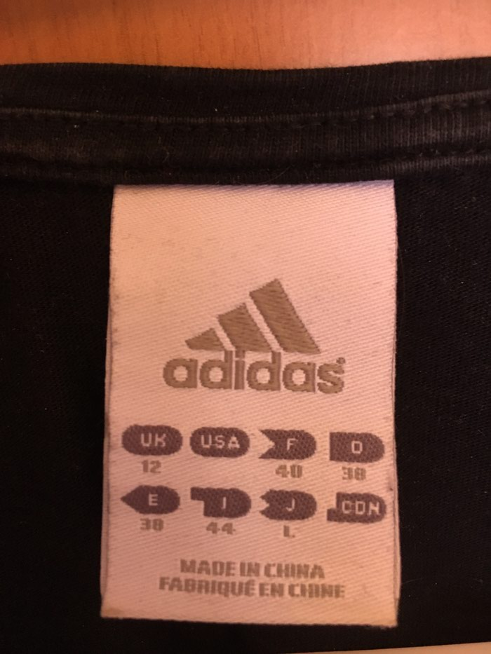 Adidas black shirt size EU38 in perfect condition. Photo 2