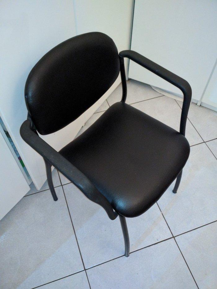 Πωλείται καρέκλα μαύρη σε εξαιρετική κατάσταση, ελαφρώς μεταχειρισμένη. Photo 0