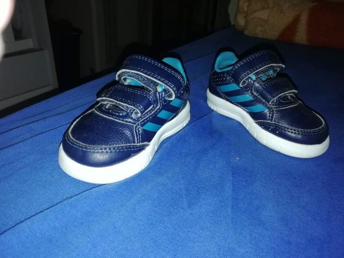 Decije muske patike br 19 Ocuvane, nosene par puta Original adidas . Photo 2