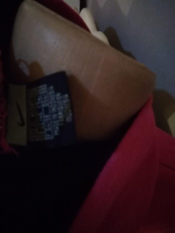 Nike original duks. M vel FIXNA je cena. Photo 1