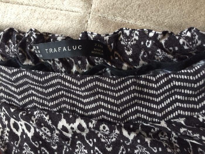 Zara pantalone neobicnog kroja, kao nove. Photo 2
