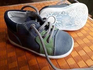 Cipelice sa anatomskim uliskom,  velicina 19 (10cm). - Nis