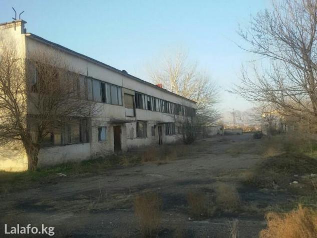 Продается или сдается 2-этажное здание, красная книга есть. место угод в Бишкек