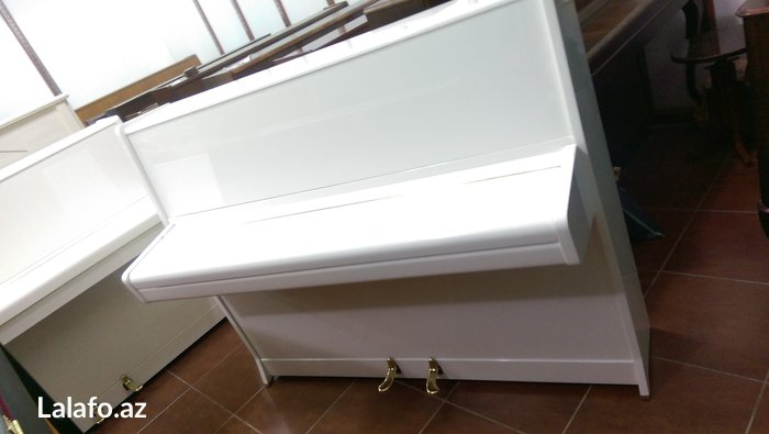 Bakı şəhərində Çexiya istehsalı Rösler 2 pedallı piano satılır. İdeal veziyyetde