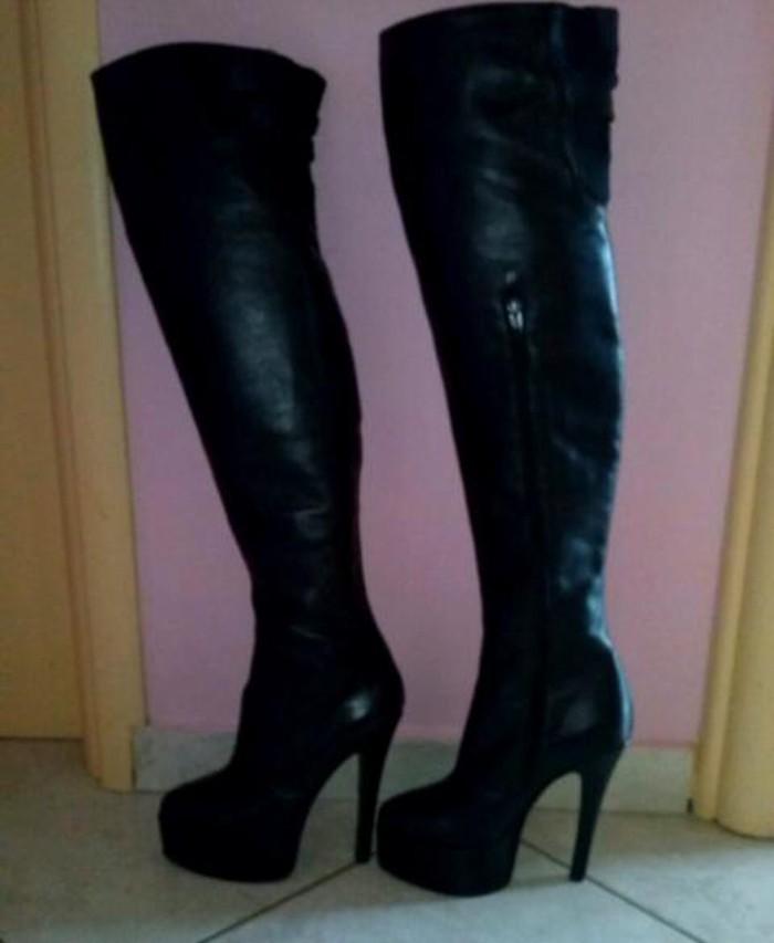 Γυναικείες μπότες ψηλές νούμερο 39. Photo 0
