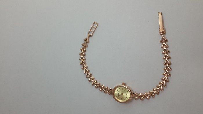 Часы наручные длина ремешка 18см. Золото 585 проба красное. в Бишкек