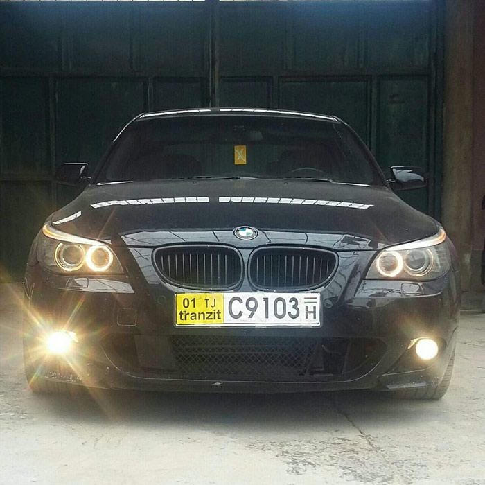 BMW 550 2008. Photo 0