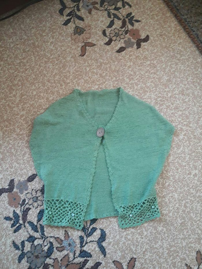 Pletena zenska jaknica....38/40 velicina...Nova..1200 dinara - Novi Pazar