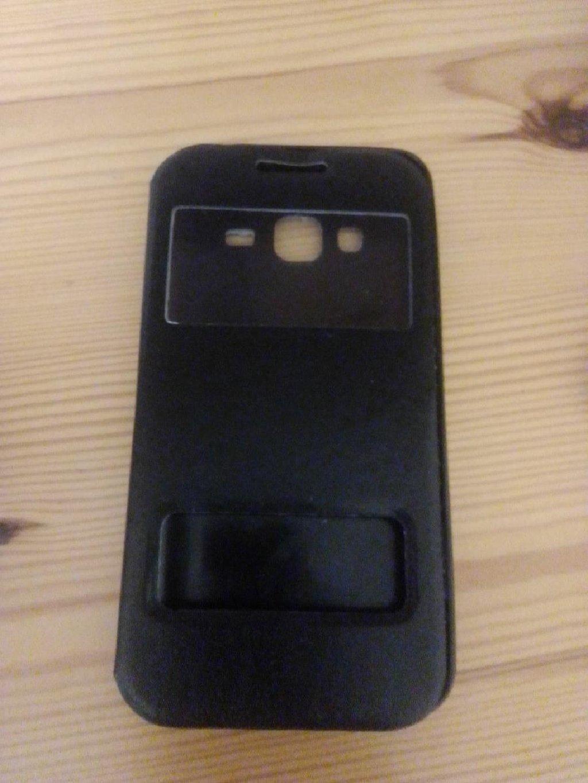 Samsung galaxy J3 2016 flip view case almost like new