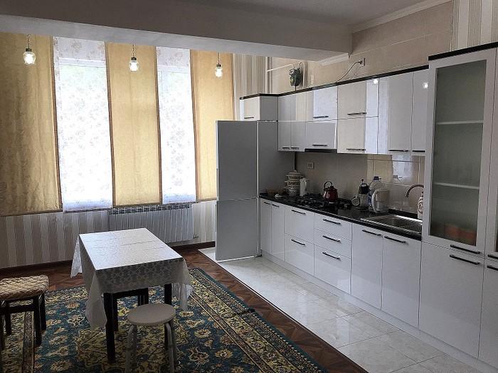 Сдается квартира: 2 комнаты, 103 кв. м., Бишкек. Photo 2